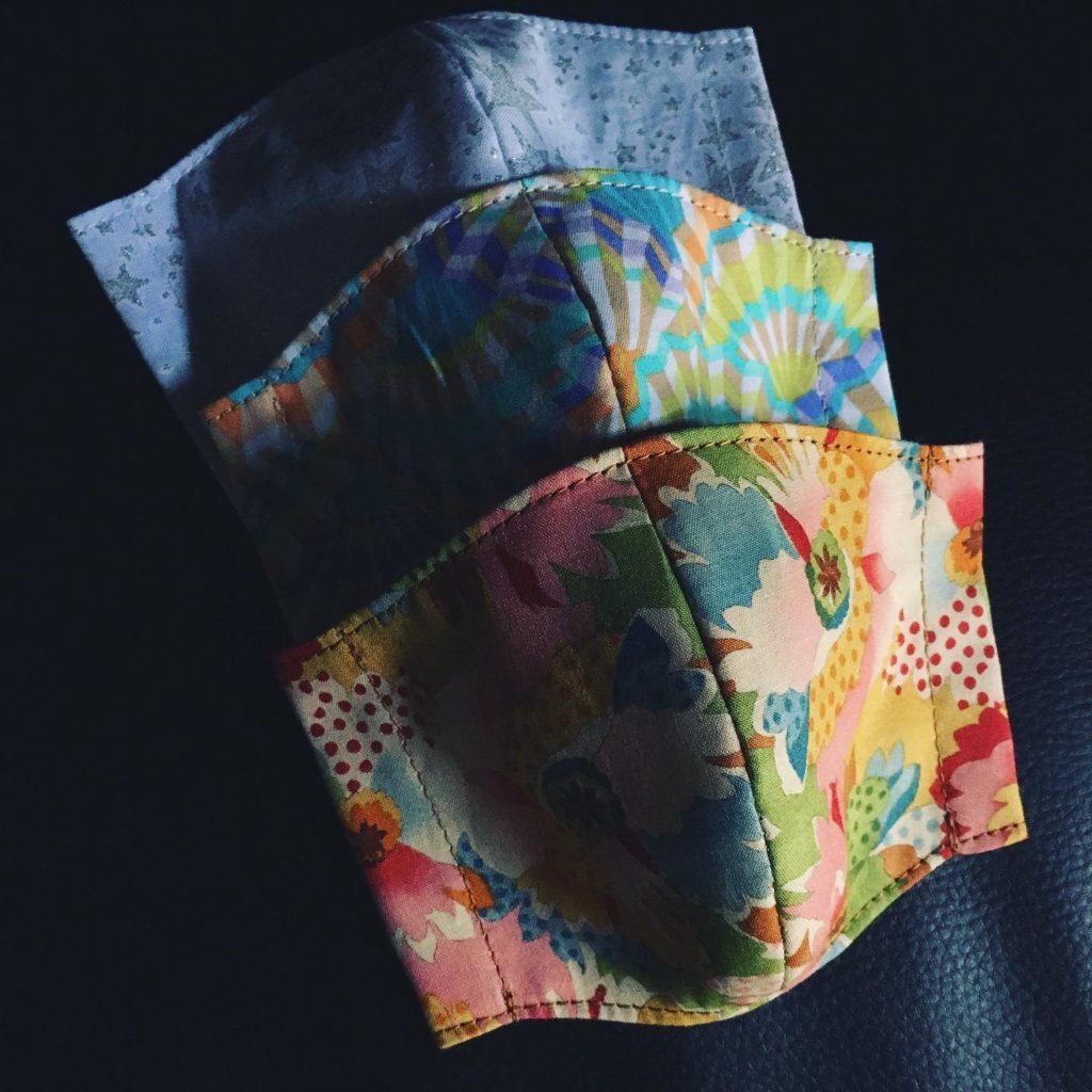 てんてんしましまで世に物申す/華やか布マスク販売中です
