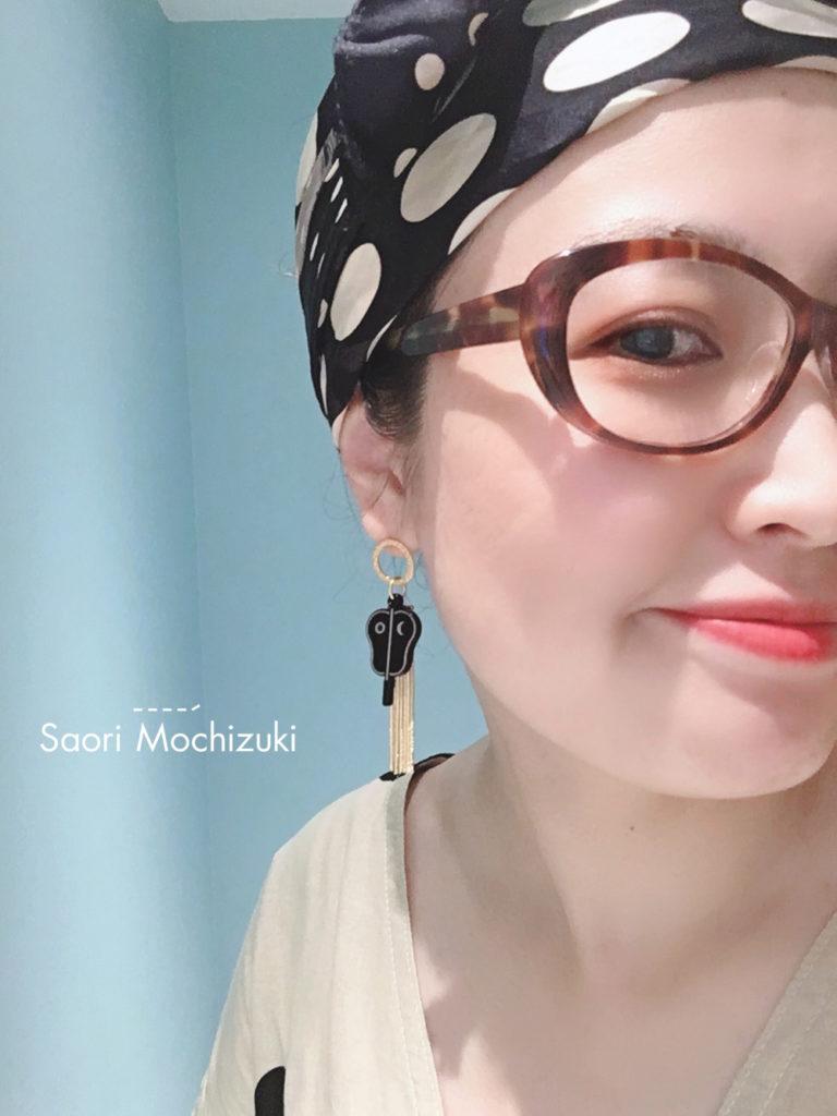 Saori Mochizukiのお相撲モチーフアイテム・軍配ピアス