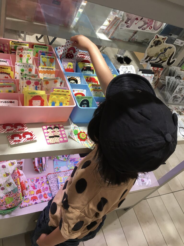 マユボンヌさんの商品:Saori Mochizuki(サオリモチヅキ/望月沙織)渋谷ヒカリエのイベント風景
