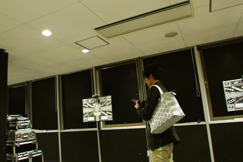 Saori Mochizuki(サオリモチヅキ/望月沙織)のボストンバッグ「ロードムービークラシック」(グレー)